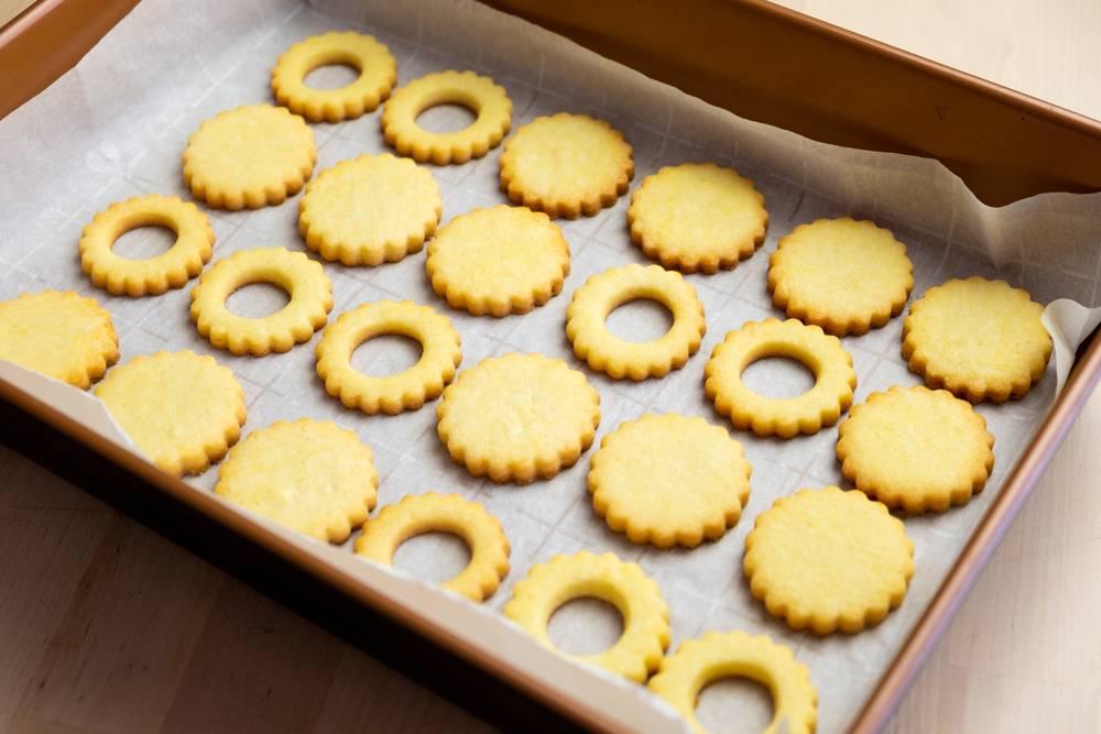 sugar-cookies-tray