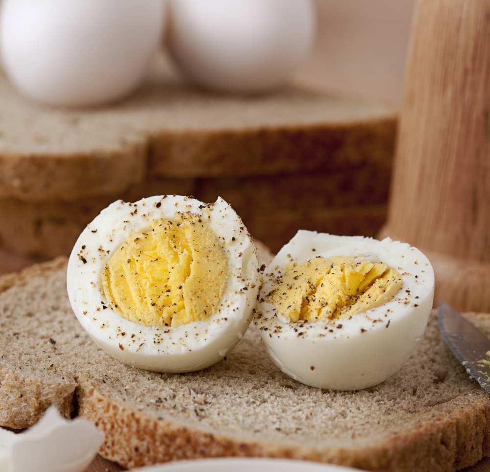 boiled eggs in microwave