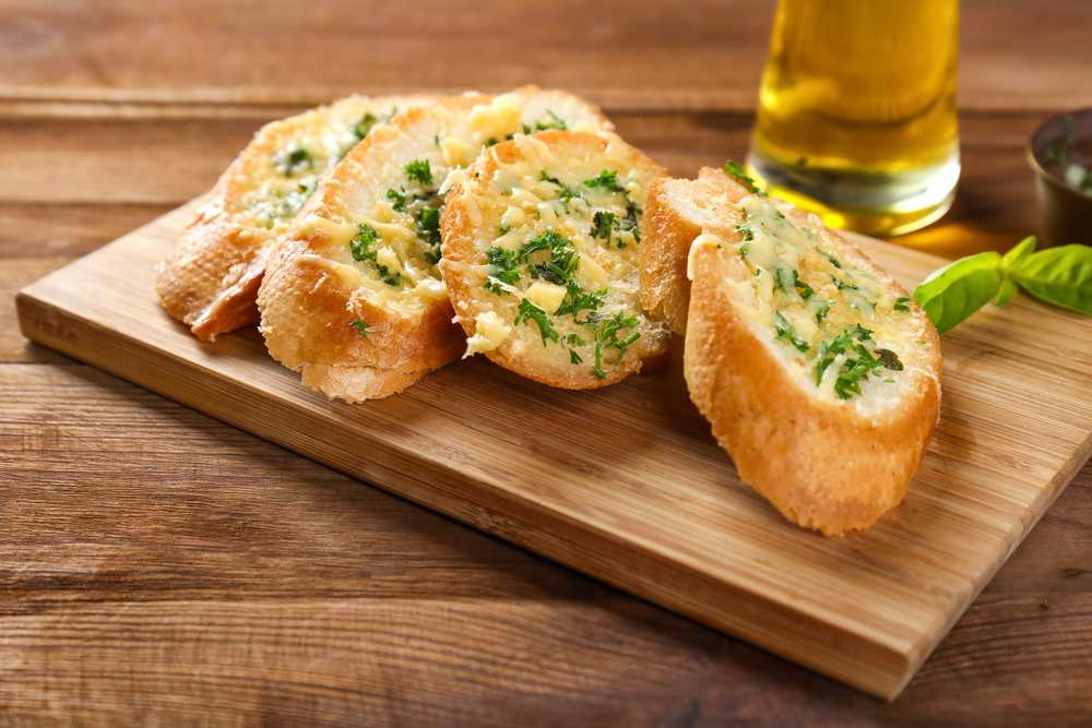 how to make garlic bread from scratch